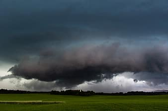 forward-landscape-weather-sky-rain-thunderstorm-wall-cloud-super-cell-storm-thumbnail